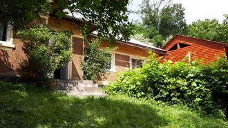 Vand casa veche cu teren in centru Campeni, jud. Alba