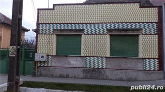 Vand casa in PECICA, aproape de centru, 102 m2, (cu teren 265 m2)