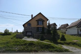 Vand vila in statiunea montana Ranca
