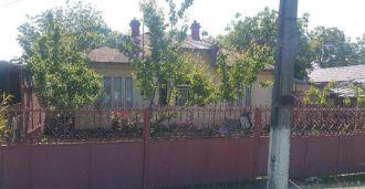 Casa situata in com.Tichilesti, jud.Braila Central