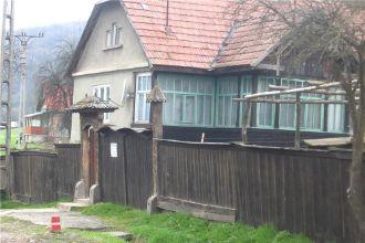 Vand casa cu teren zona Iliesi, orasul Sovata